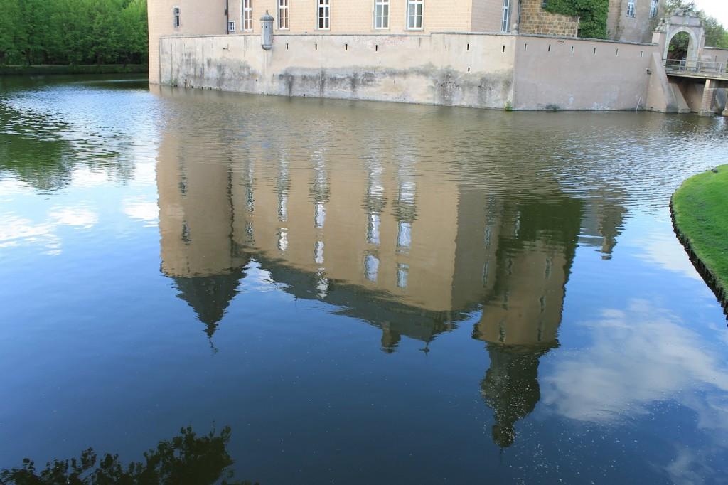 Die Burg spiegelt sich...