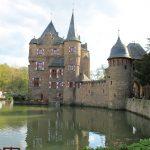 Burg Satzvey: Platz für Ritterspiele und Mittelaltermärkte