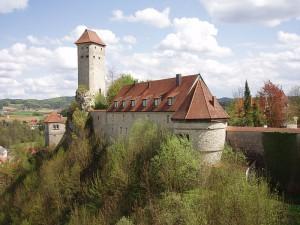 Ort des Felsabgangs: Burg Veldenstein in Neuhaus an der Pegnitz / Foto: Wikipedia/Xocolatl