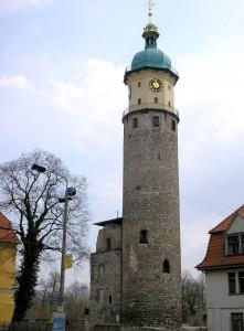 """Kulissen für """"Schloss Einstein"""": Der Turm von Schloss Neideck / Foto: Wikipedia/"""
