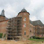 Schloss Bedburg: Abbrucharbeiten abgeschlossen – Warten auf Fördergelder für den Vorplatz