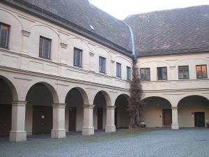 Schloss Friedberg: Arkaden-Innenhof / Foto: Wikipedia/Dark Avenger