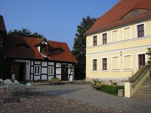 Burg Düben: Burghof und Burgwärterhaus / Foto: Wikipedia/Alma