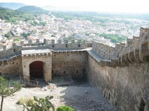 Die Mauer von Castell Capdepera / Foto: Wikipedia/Knoerz