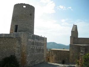 Der Turm Miquel Nunis und die Kapelle Nuestra Senyora de la Esperanza / Foto: Wikipedia/Knoerz