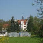 Hochwasser: Duisburger Rocker räumen Schloss Podelwitz auf