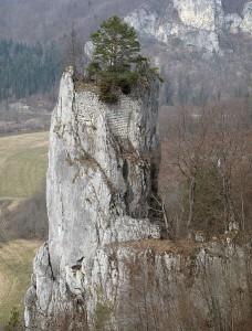 Die Reste von Burg Hexenturm / Foto: Wikipedia/Joachim Haller/CC-Lizenz Namensnennung-Weitergabe unter gleichen Bedingungen 3.0 Unported