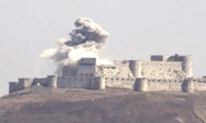 Bombeneinschlag auf dem Krak de Chevaliers / Foto: Protect Syrian Archaeology