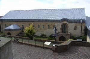 Direkt neben der Grabung liegt das Museum in der Kaiserpfalz / Foto: Wikipedia / Zefram / CC-BY-SA-3.0-migrated