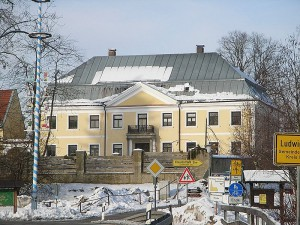 Schloss Ludwigstal während der Sanierung / Foto: Wikipedia/Konrad Lackerbeck, CC-BY-SA-3.0