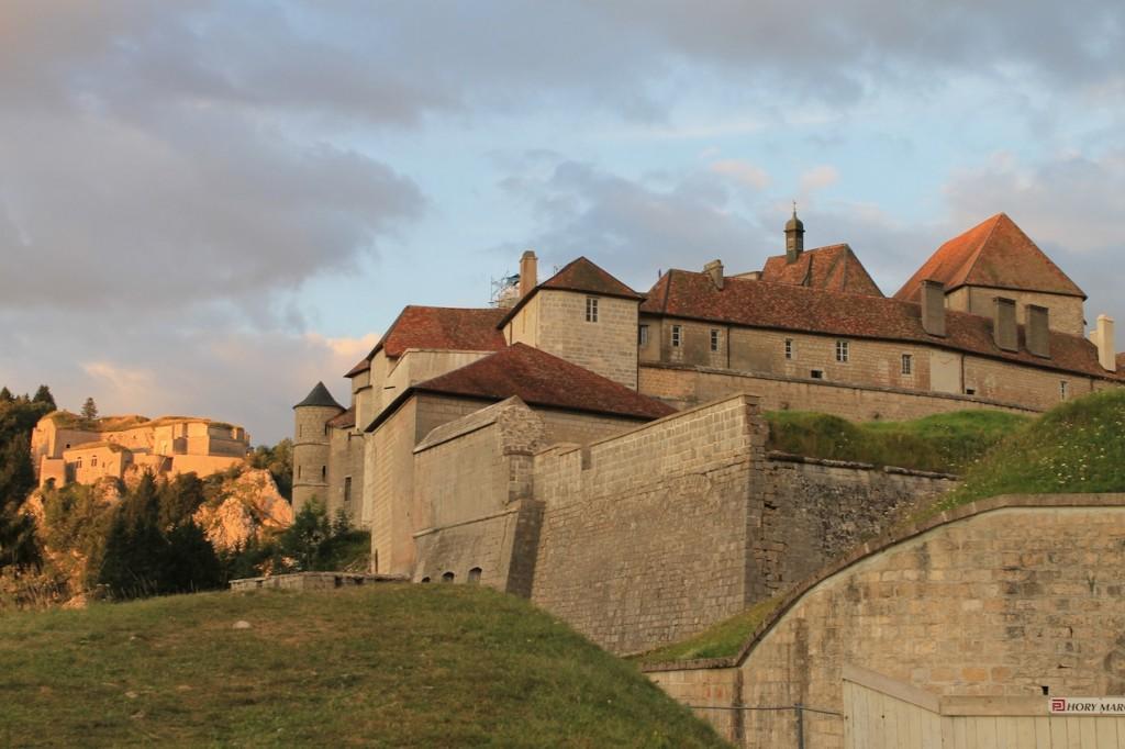 Chateau de Joux: Abendstimmung