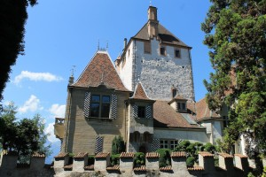 Schloss Oberhofen beherbert historisch eingerichtete Räume des 16. bis 19. Jahrhunderts