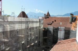Schloss Thun (Château de Thoune): Neues Schloss und altes Gefängnis sind eine Baustelle