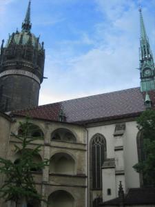 Wittenberg: Das fürstliche Schloss und die Schlosskirche im Hintergrund