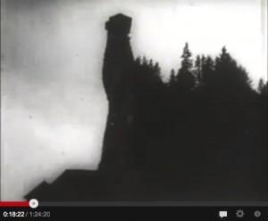 Die Nosferatu-Burg in einer Filmszene von 1921/ Screenshot Youtube
