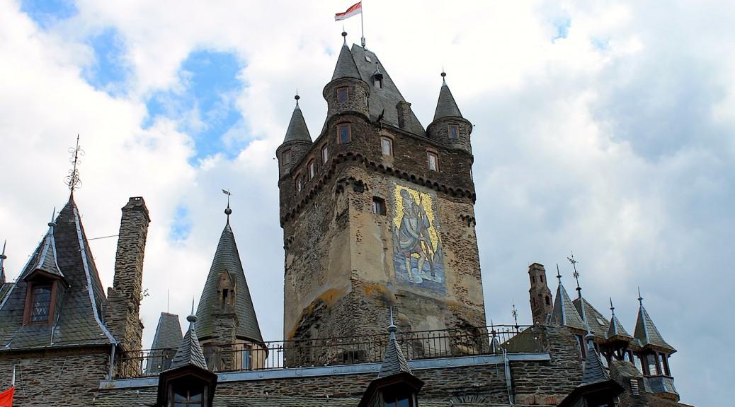 So geht's auch: Reichsburg Cochem mit Heiligenbild / Foto: Burgerbe.de