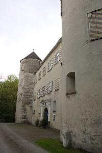 Schloss Bächingen steht für 1,5 Mio. Euro zum Verkauf / Foto: Wikipedia / Reinhard Hauke / CC-BY-SA-3.0