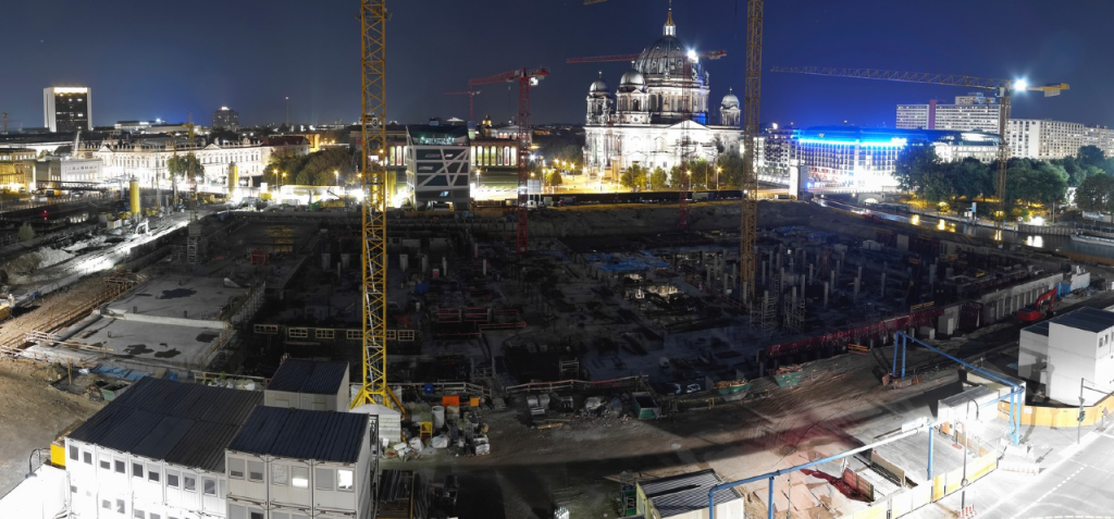 Nächtlicher Blick auf die Berliner Stadtschloss-Baustelle / Screenshot Stadtschloss-Webcam
