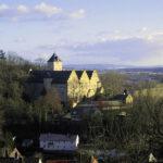 Verfallendes Schloss Mainberg: Doku im Bayerischen Fernsehen
