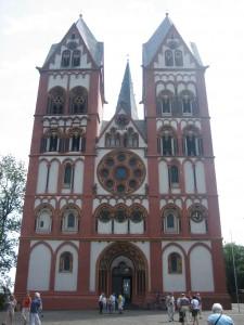 Der Limburger Dom steht auf historischem Boden / Foto: Burgerbe.de