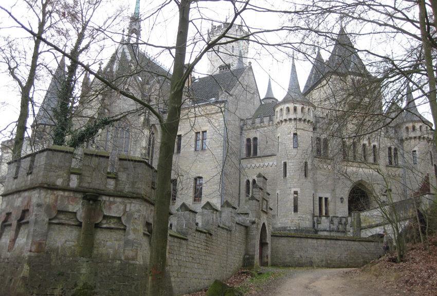 Schloss Marienburg: Ein beliebtes Ausflugsziel .