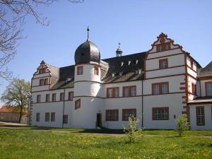 Schloss Ehrenstein vor dem Brand / Foto: Wikipedia/Michael Sander/CC-BY-SA-3.0,2.5,2.0,1.0