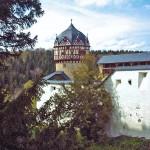 Hund eingemauert: Risse in Kapellenwand von Schloss Burgk