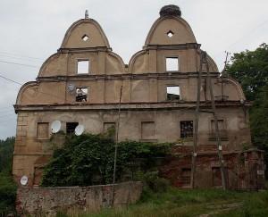 Hier gibt's viel zu sanieren: Speicher von Schloss Sarny aus der Zeit um 1660 / Foto: Wikipedia/Przykuta/CC-BY-SA-3.0