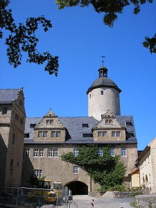 Hauptgebäude und Turm von Burg Ranis / Foto: Wikipedia / Michael Sander / CC-BY-SA-3.0