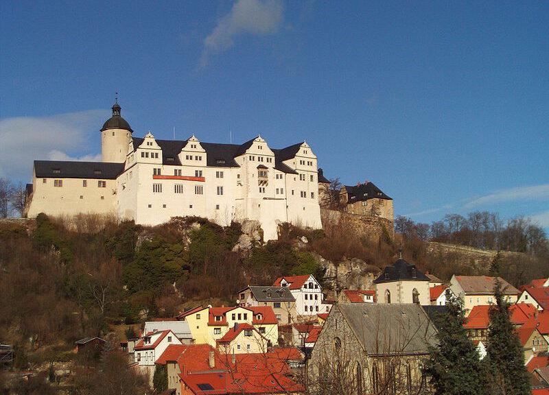 Burg Ranis über der Altstadt von Ranis: Das Museum soll schließen / Foto: Wikipedia / B80 / Public Domain