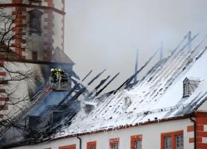 Die Dächer zweier Schlossflügel brannten ab (c) Thüringer Allgemeine - Alexander Volkmann