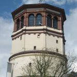 Düsseldorf: Japantag im Schatten des Schlossturms, wo es spuken soll