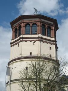 Der Düsseldorfer Schlossturm: Heute Sitz des Schifffahrtsmuseums