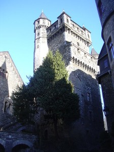 Palas und Alter Stock von Schloss Braunfels / Foto: Wikipedia / Gabriele Delhey  / CC-BY-SA-3.0-migrated