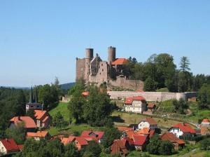"""Burg Hanstein: Einer der """"Der Medicus""""-Drehorte / Foto: Wikipedia / Dirk Schmidt / CC-BY-SA-3.0"""