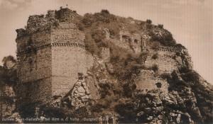 Die mächtige Burgruine Stein-Kallenfels auf einer Postkarte von 1907. Foto: Wikipedia/Urheberrecht abgelaufen