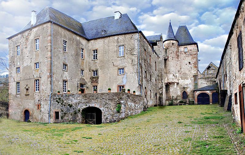 Der Innenhof der Unterburg von Burg Lissingen / Foto: Wikipedia/FrankMartini/ CC-BY-SA-3.0