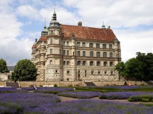 Schloss Guestrow: Die Feuerwehr rückte umsonst an. Zum Glück. Foto: Public Domain