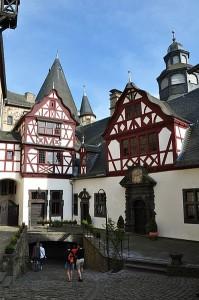 Schloss Bürresheim: Hof der Trierer Burg / Foto: Wikipedia / Vincent van Zeijst / CC BY-SA 3.0