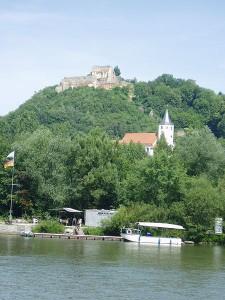 Die Ruine von Burg Donaustauf / Foto: Public Domain