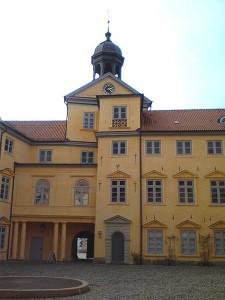 Die Hoffassade des Westflügels / Foto: Wikipedia / Podracer