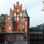 Milchunternehmer Jack Koopman kauft Schloss Kalkhorst