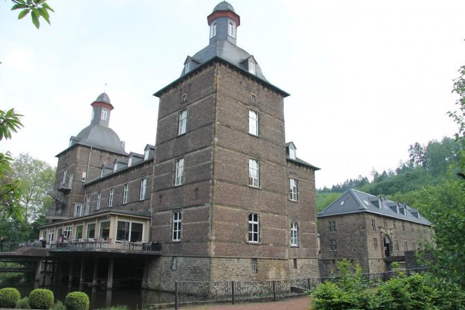 Schloss Hugenpoet: Die Parkseite