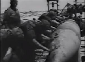 Granaten für das Geschütz Dora vor Sewastopol / Bild: Screenshot Youtube