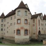 Schloss Glatt und das Rätsel der versteckten Schuhe