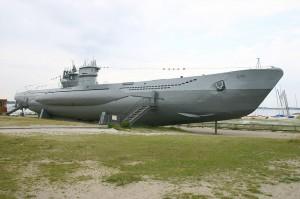Boote wie dieses vom Typ VII C (heute in Laboe) wurden in Hamburg produziert und im Elbe II-Bunker ausgerüstet / Foto: Wikipedia / Wassen /