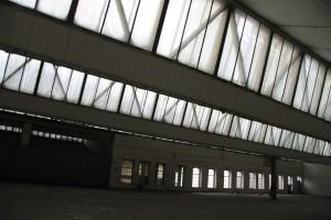 Dächer der Shed-Hallen von unten gesehen