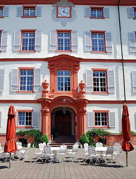 Schloss Beuggen: Portal des Neuen Schlosses / Foto: Wikipedia / Wladyslaw / CC BY 3.0 DE