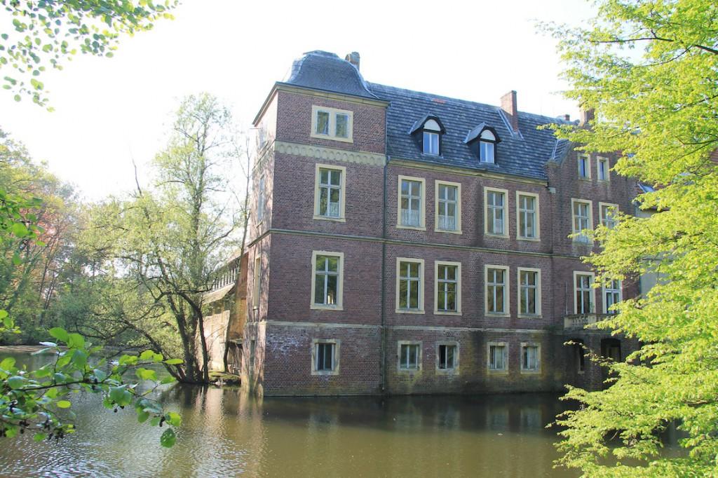 Die Rückseite von Schloss Senden. Foto: Burgerbe.de