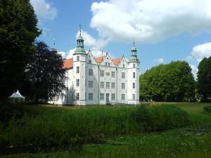 Wasserschloss Ahrensburg: Brandschutz soll verbessert werden / Foto: Wikipedia / Podracer HH / CC BY-SA 2.5